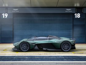 open-top-aston-martin-valkyrie-spider-is-closest-representation-to-f1-car-for-the-road