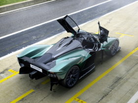 aston-martin-valkyrie-goes-topless-with-new-spider-variant