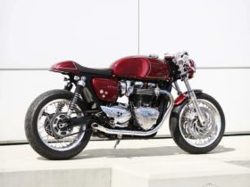 triumph-thruxton-1200-books-an-appointment-at-the-aftermarket-treatment-center