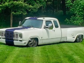1978-dodge-dually-looks-like-a-snail-in-the-grass,-it's-actually-a-hellcat