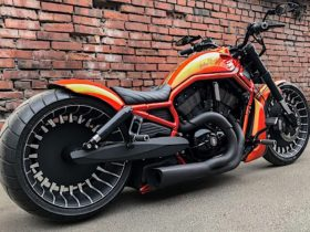 orange-on-this-harley-davidson-v-rod-can't-hold-a-candle-to-the-custom-wheels