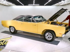 1969-plymouth-road-runner-restomod-packs-over-600-hp-from-a-543-built-motor