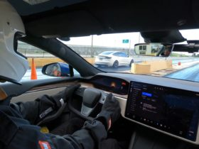 tesla-model-s-plaid-with-drag-radials-runs-the-1/8-mile-in-6.08-seconds