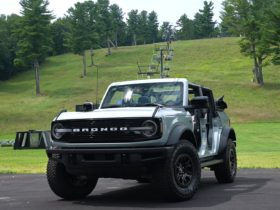 2021-ford-bronco-wildtrak-review-reveals-the-pros-and-cons-of-doors-off-driving