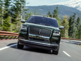 lincoln-unveils-updated-navigator-suv-in-usa