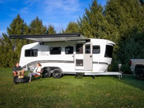 off-road-capable-terra-oasis-trailer-wriggles-with-features-and-off-grid-living
