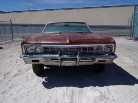 """1966-chevrolet-impala-ss-""""barn-find""""-proves-not-even-sitting-for-years-kills-an-icon"""