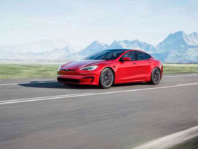 tesla-model-s-owner-lists-factory-problems-of-new-model