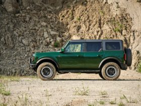 eruption-green-2022-ford-bronco-pays-tribute-to-mallard-green