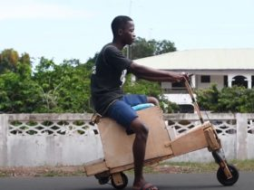 this-wooden-two-wheeler-is-actually-a-solar-powered-scooter-with-good-range