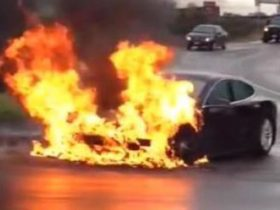 tesla-electric-cars-less-likely-to-catch-fire-than-petrol-cars-–-report