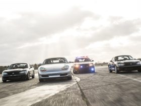 think-you-can-outrun-a-dodge-charger-police-car?-this-track-lets-you-try