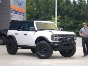 lifted-2021-ford-bronco-is-one-badass-rig-with-37-inch-rubber-shoes