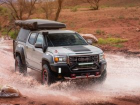 gmc-canyon-at4-ovrlandx-has-red-beadlock-beauty-rings,-all-the-adventure-gear-you-want