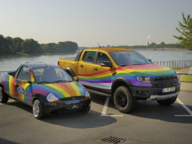 """ford-introduces-the-""""very-gay-raptor""""-and-it's-the-most-awesome-clapback-ever"""