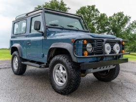 pricey-1997-land-rover-defender-90-nas-seems-ready-to-conquer-any-narrow-trail