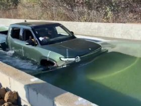 rj-scaringe-shows-impressive-video-of-rivian-r1t-water-fording-in-a-tank
