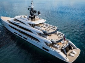 this-214-ft-superyacht-is-ready-to-take-you-on-a-week-long-luxury-cruise-for-$650,000
