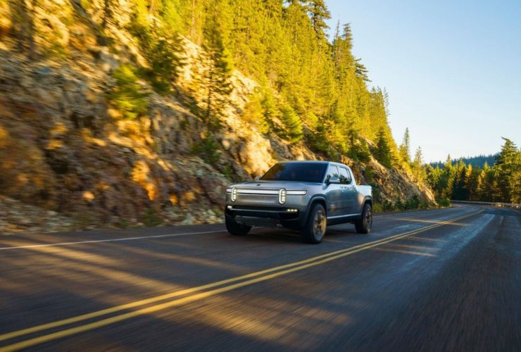 motor-trend-names-the-rivian-r1t-the-most-remarkable-pickup-it-ever-drove