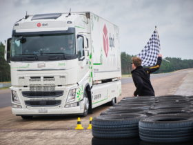 e-truck-breaks-world-record,-achieves-greatest-distance-traveled-on-a-single-charge