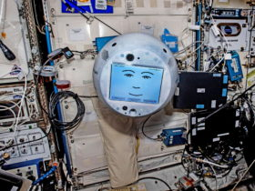world's-first-free-flying-ai-astronaut-assistant-ready-for-new-adventures-in-space