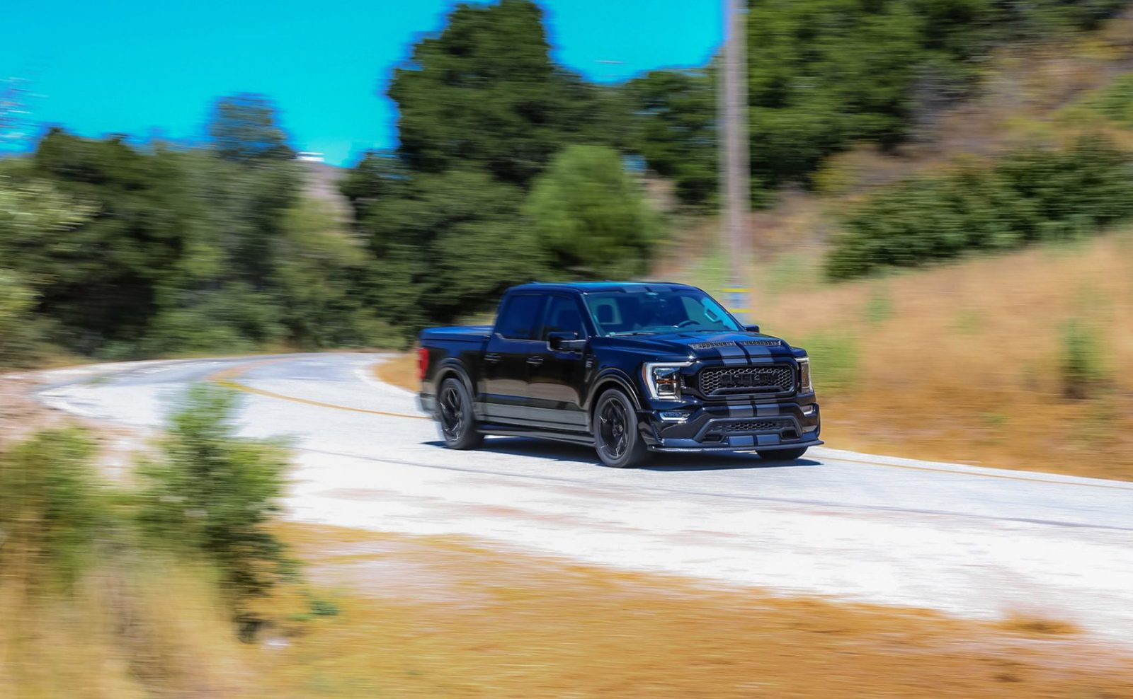 meet-the-insane-f-150-muscle-truck-that-can-accelerate-faster-than-a-ferrari-f40