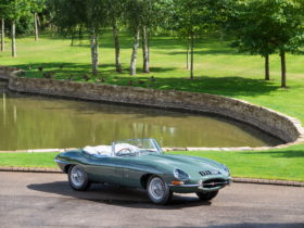 spectacular-collection-of-jaguar-e-types-makes-a-stop-at-concours-of-elegance-this-weekend