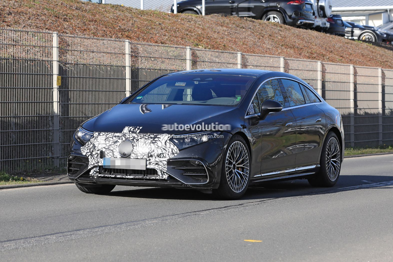 mercedes-amg-eqs-53-confirmed-with-751-hp,-blistering-acceleration