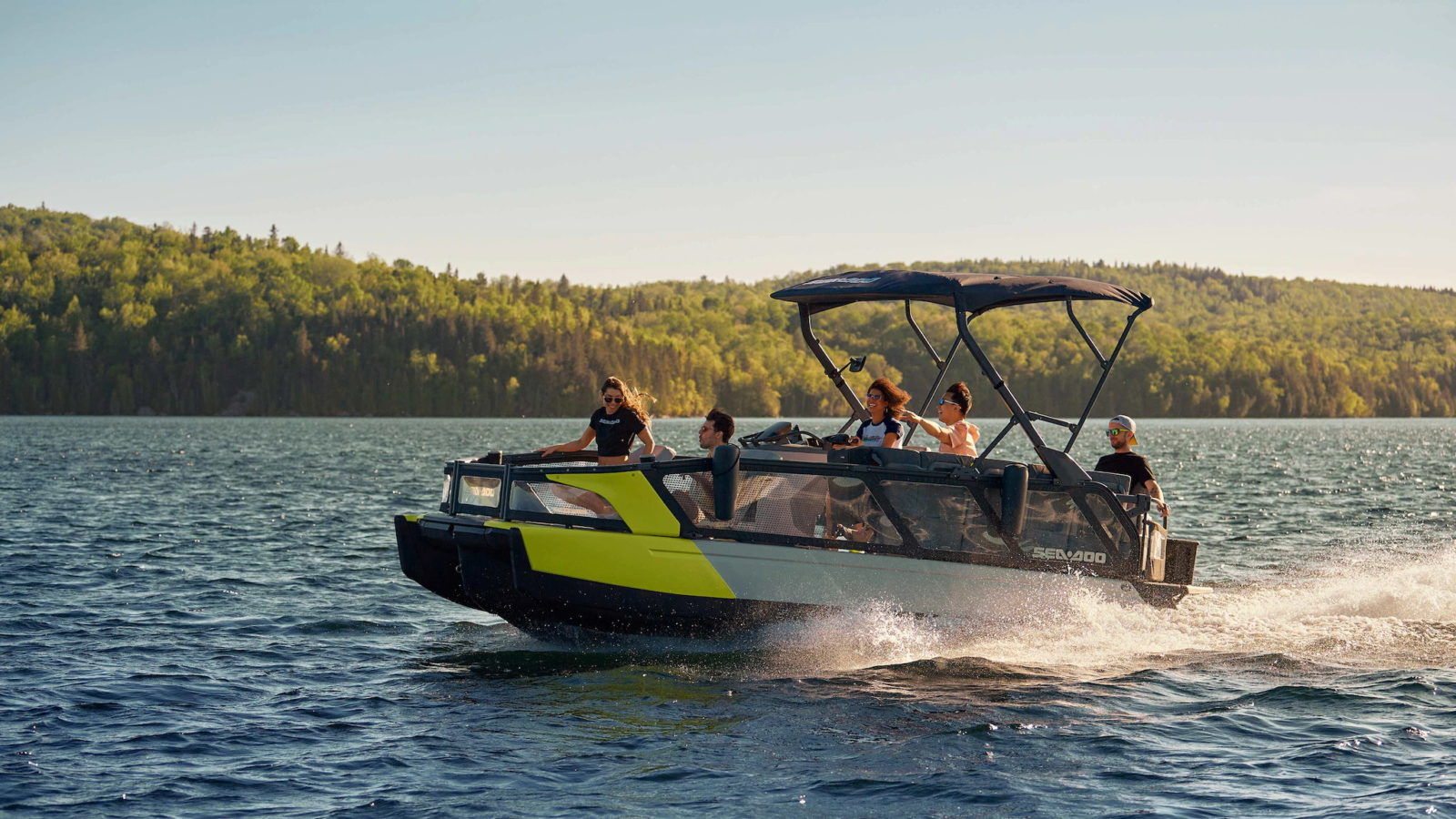 the-2022-sea-doo-switch-is-a-new-breed-of-luxury-water-transportation
