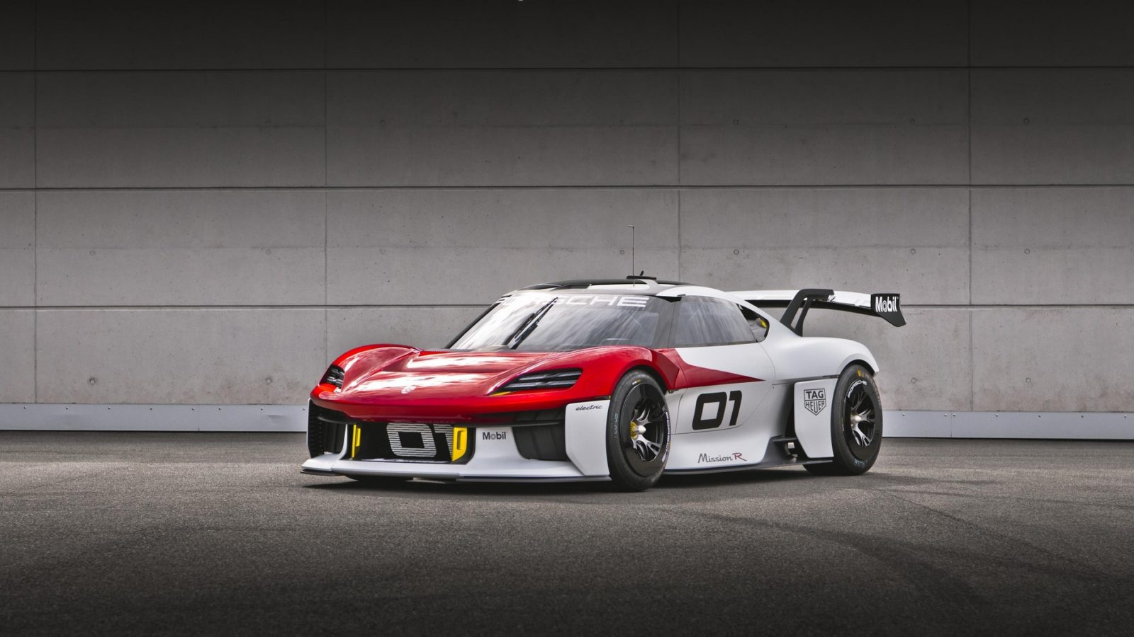 porsche-mission-r-bets-race-cars-can-go-electric-with-no-compromises