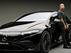 lewis-hamilton-caresses-the-mercedes-amg-eqs-53-in-first-outing-as-a-duo