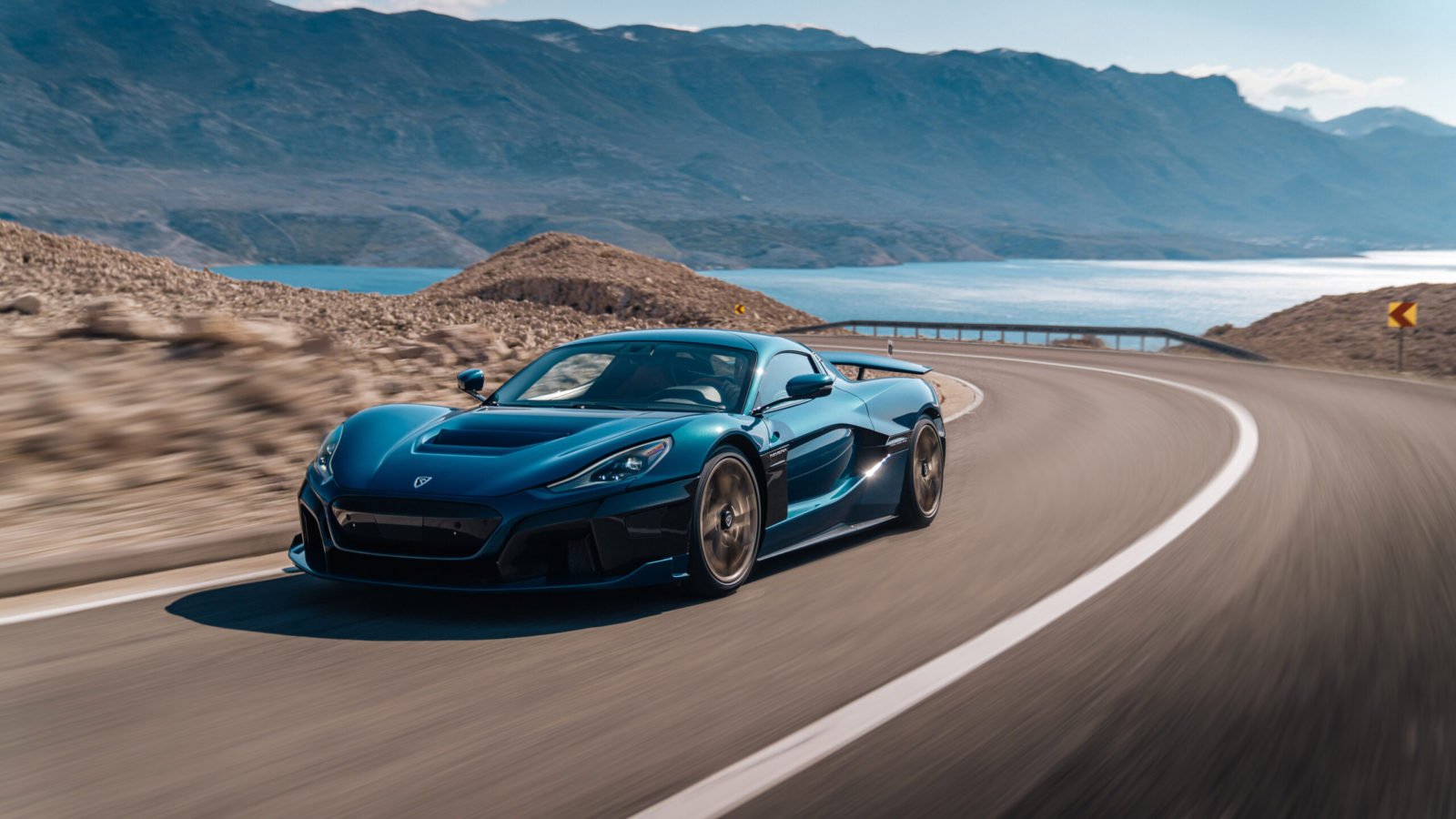 best-new-performance-hybrids-&-electric-cars