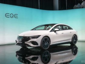 mercedes-benz-eqe-debuts-with-a-business-variant