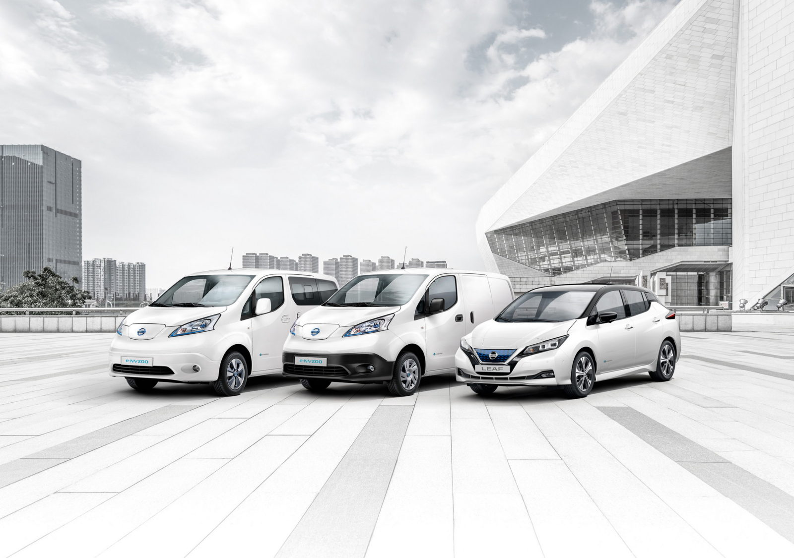 nissan-hits-a-quarter-of-a-million-ev-sales-across-europe,-iconic-leaf-at-the-top
