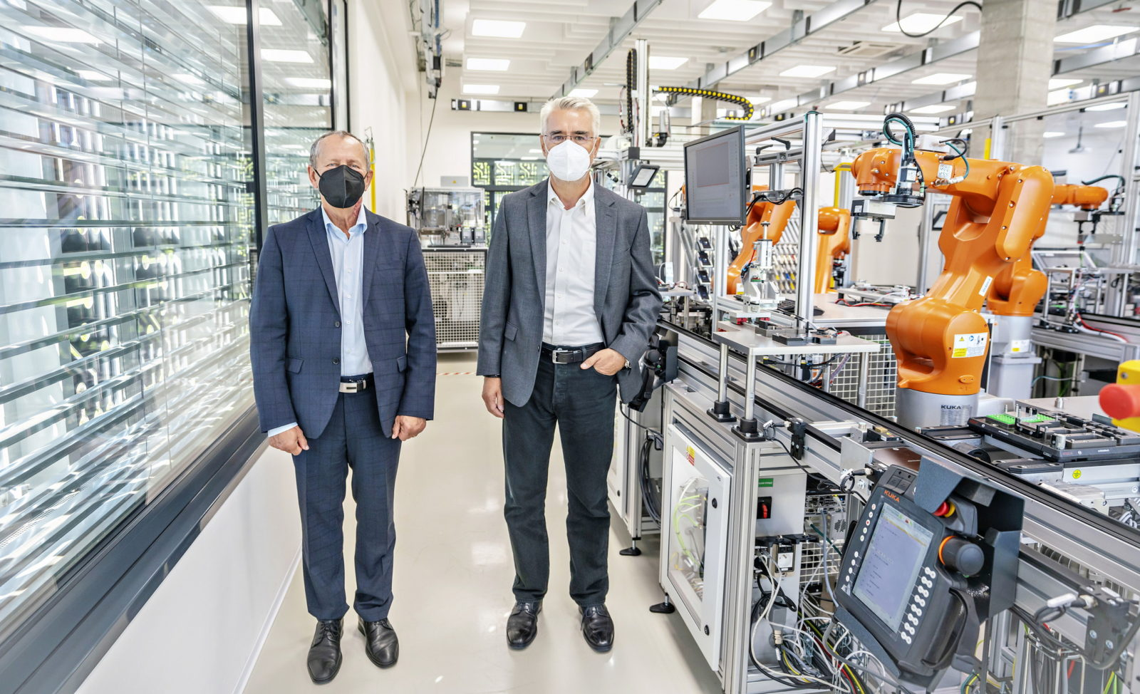 skoda-unveils-innovative-artificial-intelligence-lab-for-car-manufacturing-research