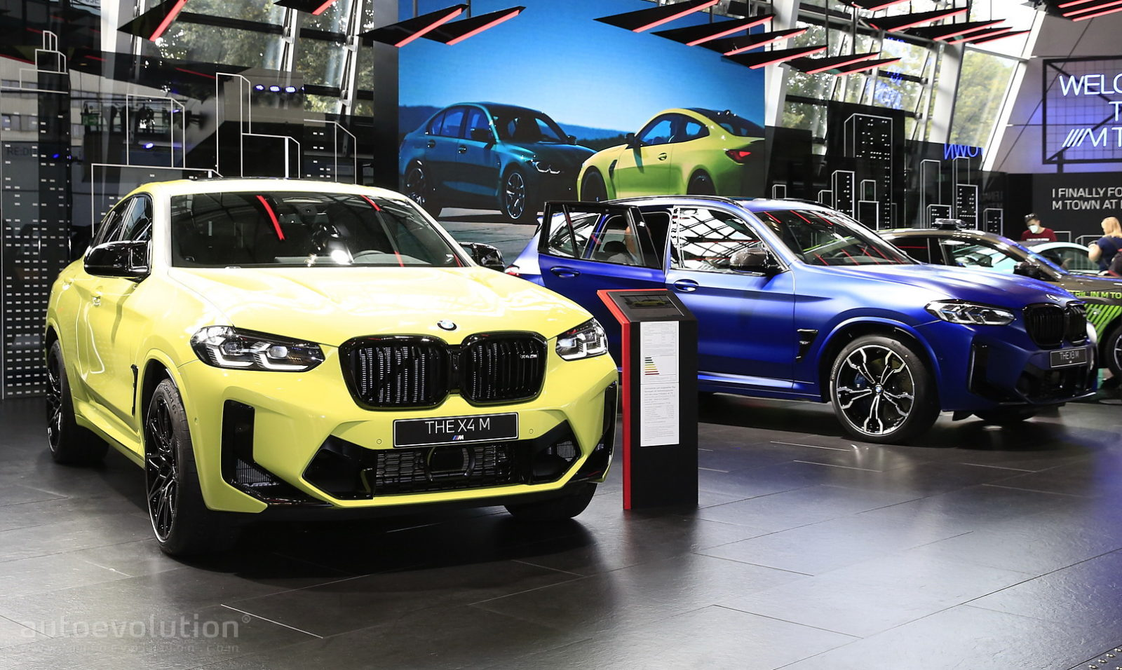 live-pics:-updated-2022-bmw-x3-m-and-x4-m-land-in-munich-wearing-competition-duds