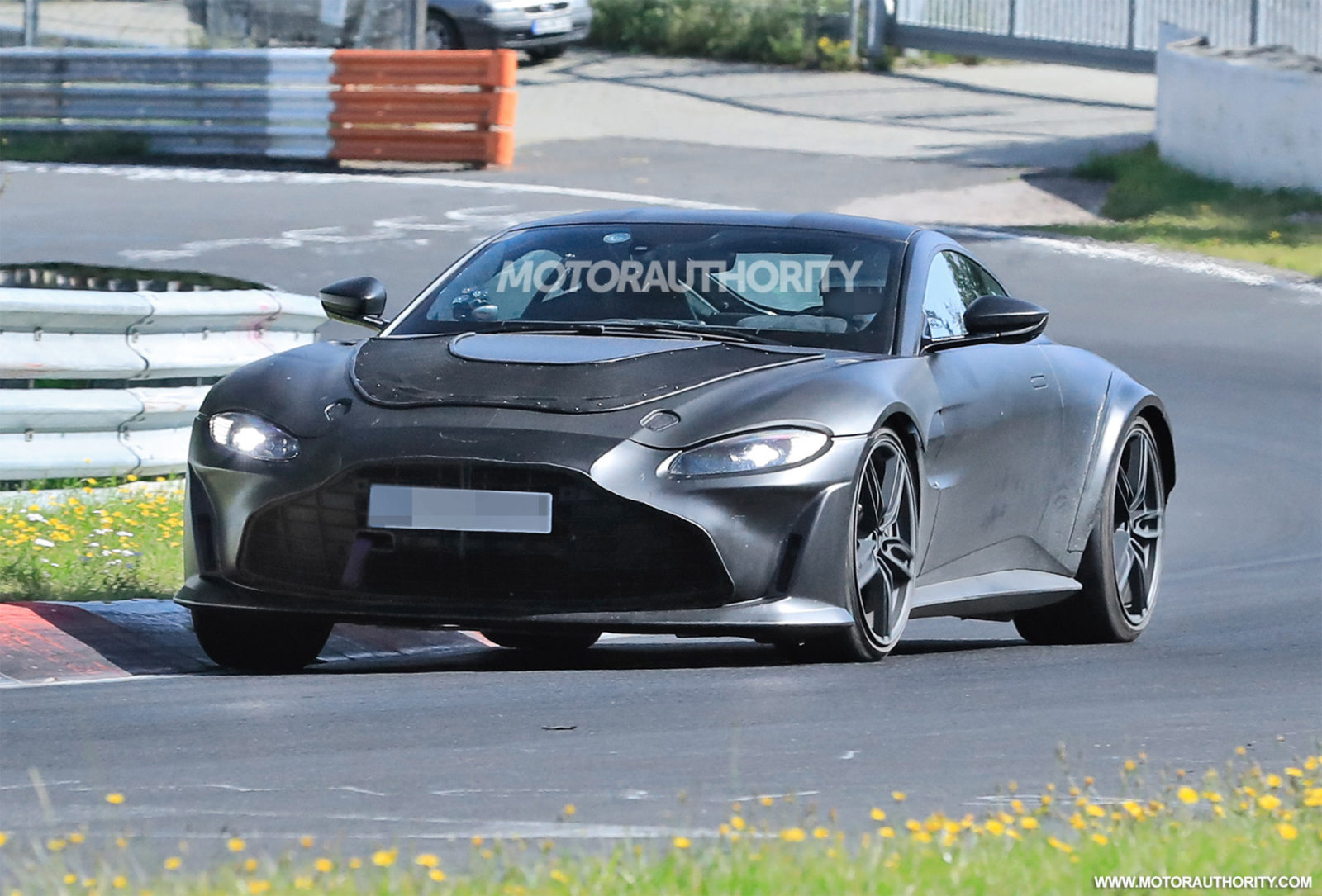 2023-aston-martin-vantage-v12-rs-spy-shots-and-video:-hardcore-variant-to-top-updated-range