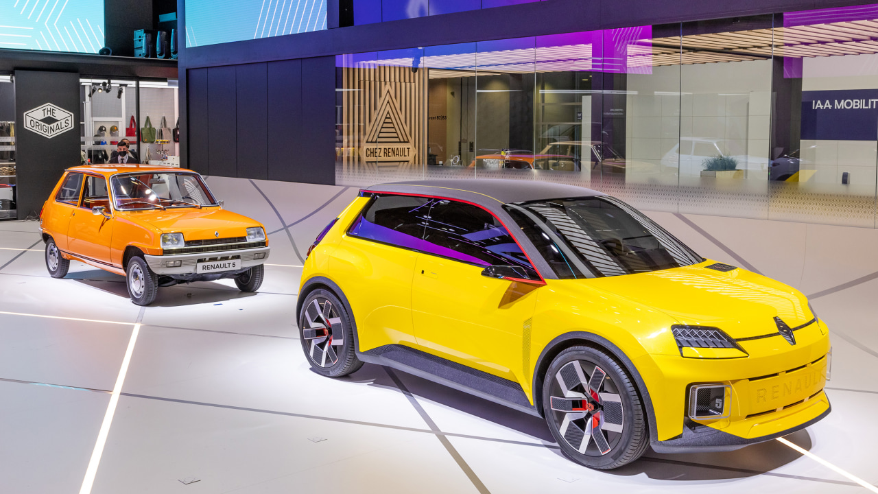 renault-5-electric-reboot-takes-centre-stage-in-munich