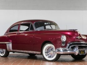 """the-story-of-the-oldsmobile-""""rocket""""-88,-america's-first-muscle-car"""