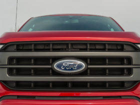 former-top-tesla-engineer-and-apple-car-exec-returns-to-ford