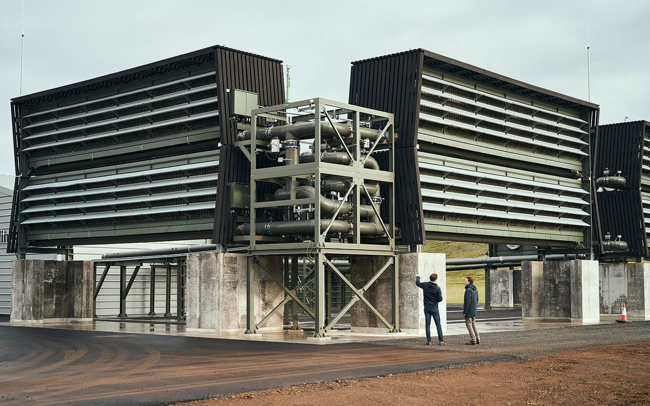 world's-first-air-capture-plant-is-huge,-can-remove-4,000-tons-of-co2-from-the-air