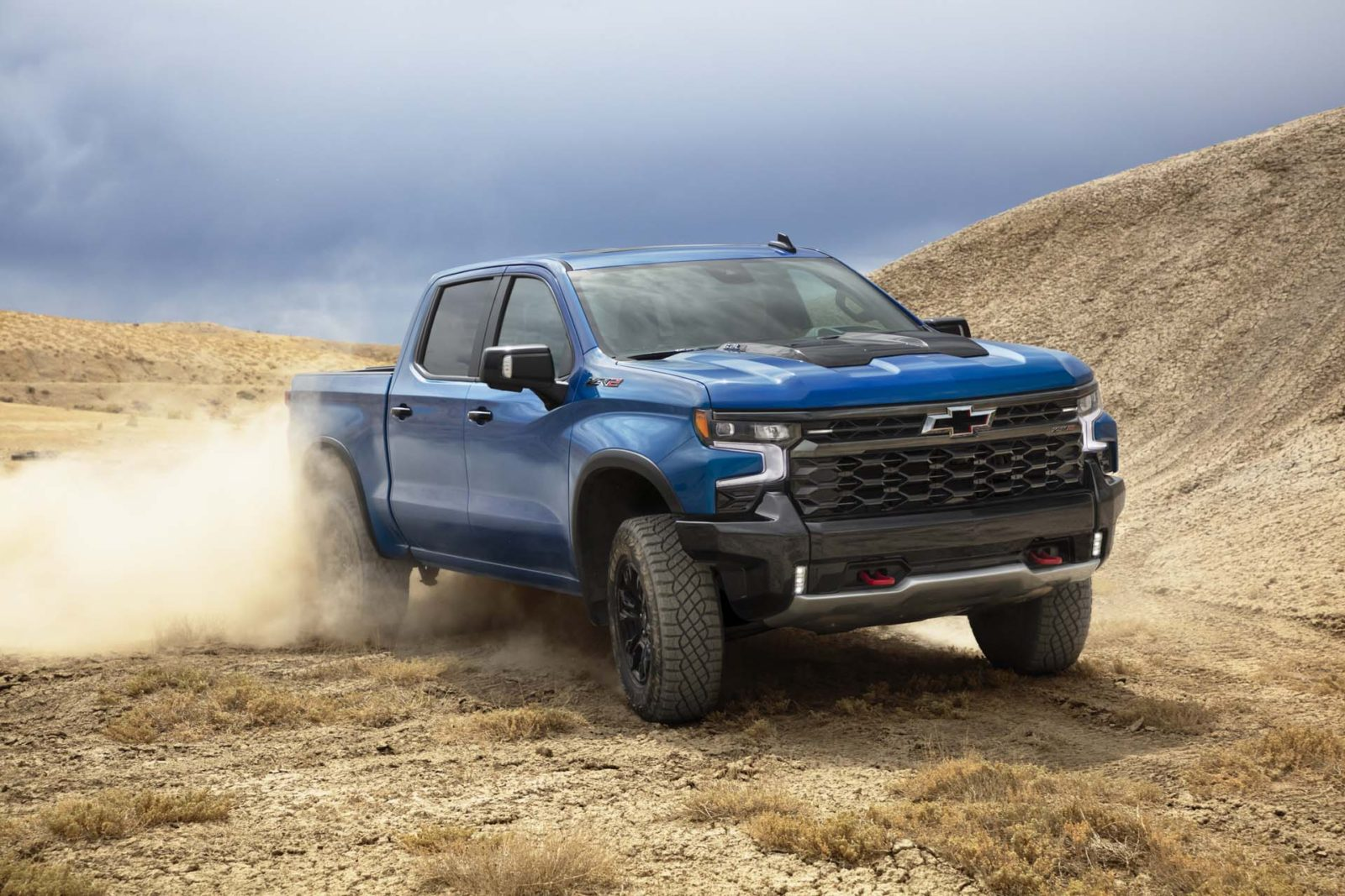 2022-chevy-silverado-updated,-2022-lexus-is-500-tracked,-outlander-phev-revisited:-what's-new-@-the-car-connection