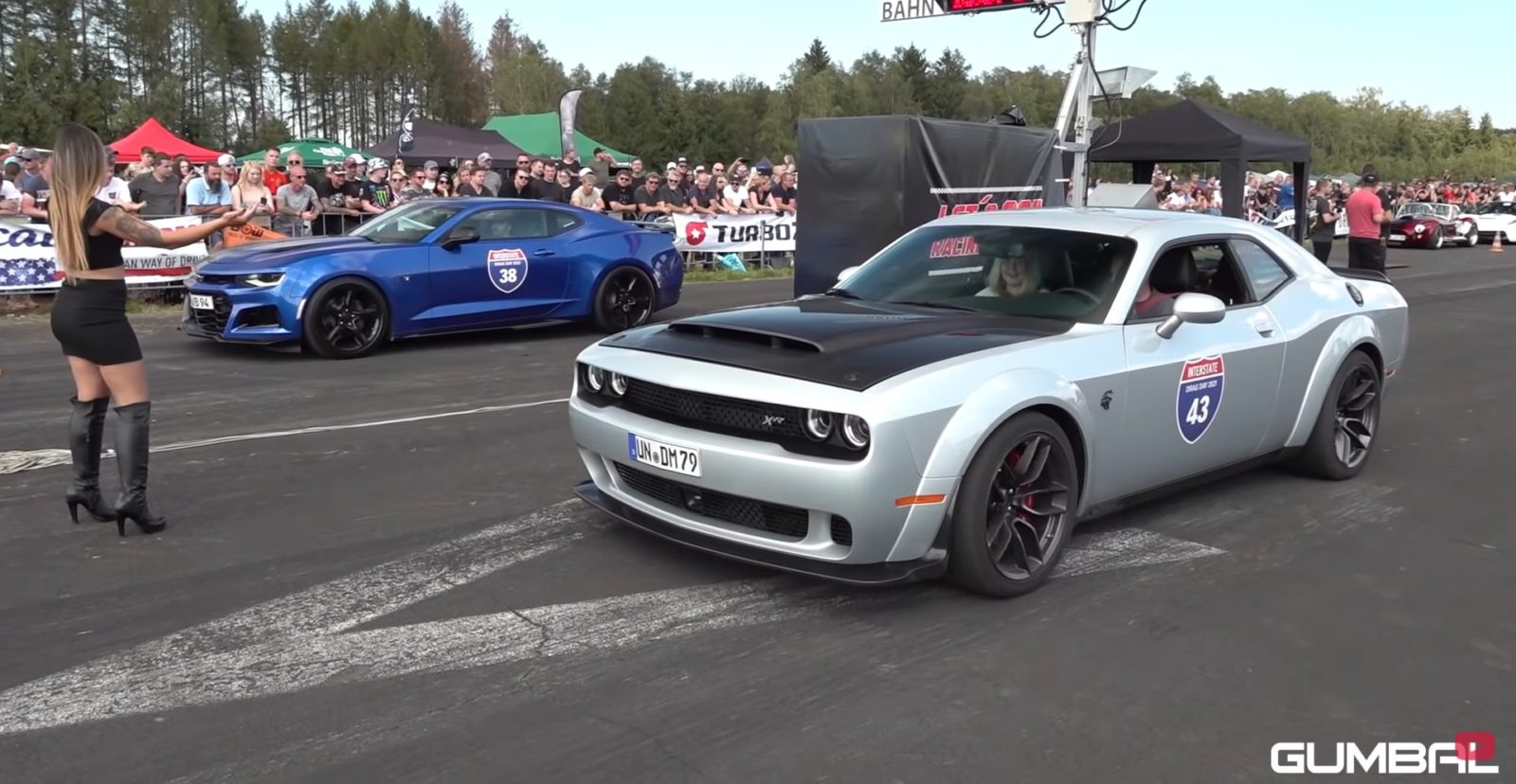 ultra-rare-dodge-challenger-srt-hellcat-xr-drags-mustang-and-camaro-in-adverse-setting