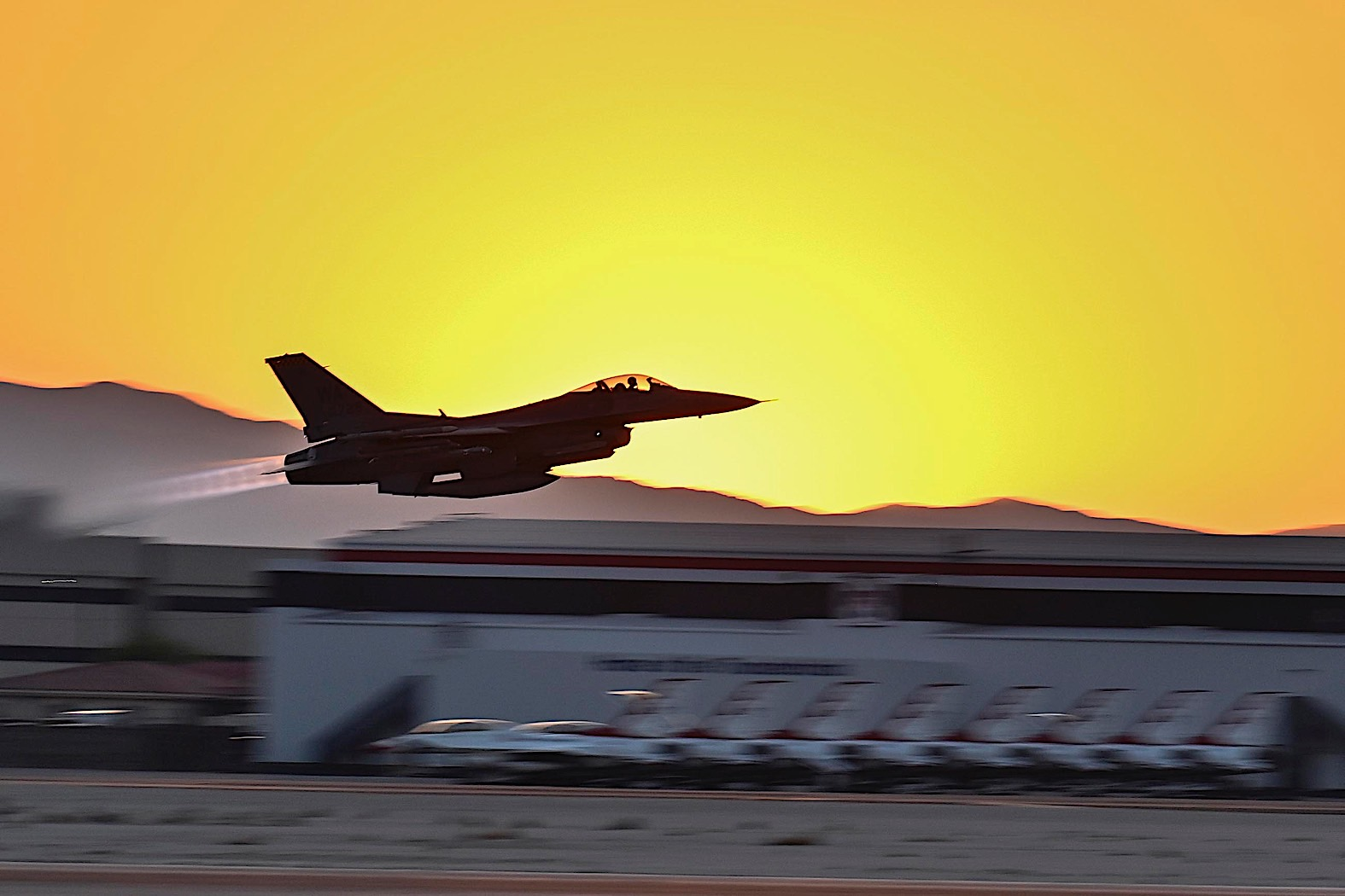 aggressor-squadron-f-16-flies-into-the-night,-ready-to-give-pilots-a-run-for-their-money