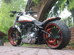 this-harley-davidson-is-what-happens-when-a-breakout-goes-from-mean-muscle-to-funky-ride