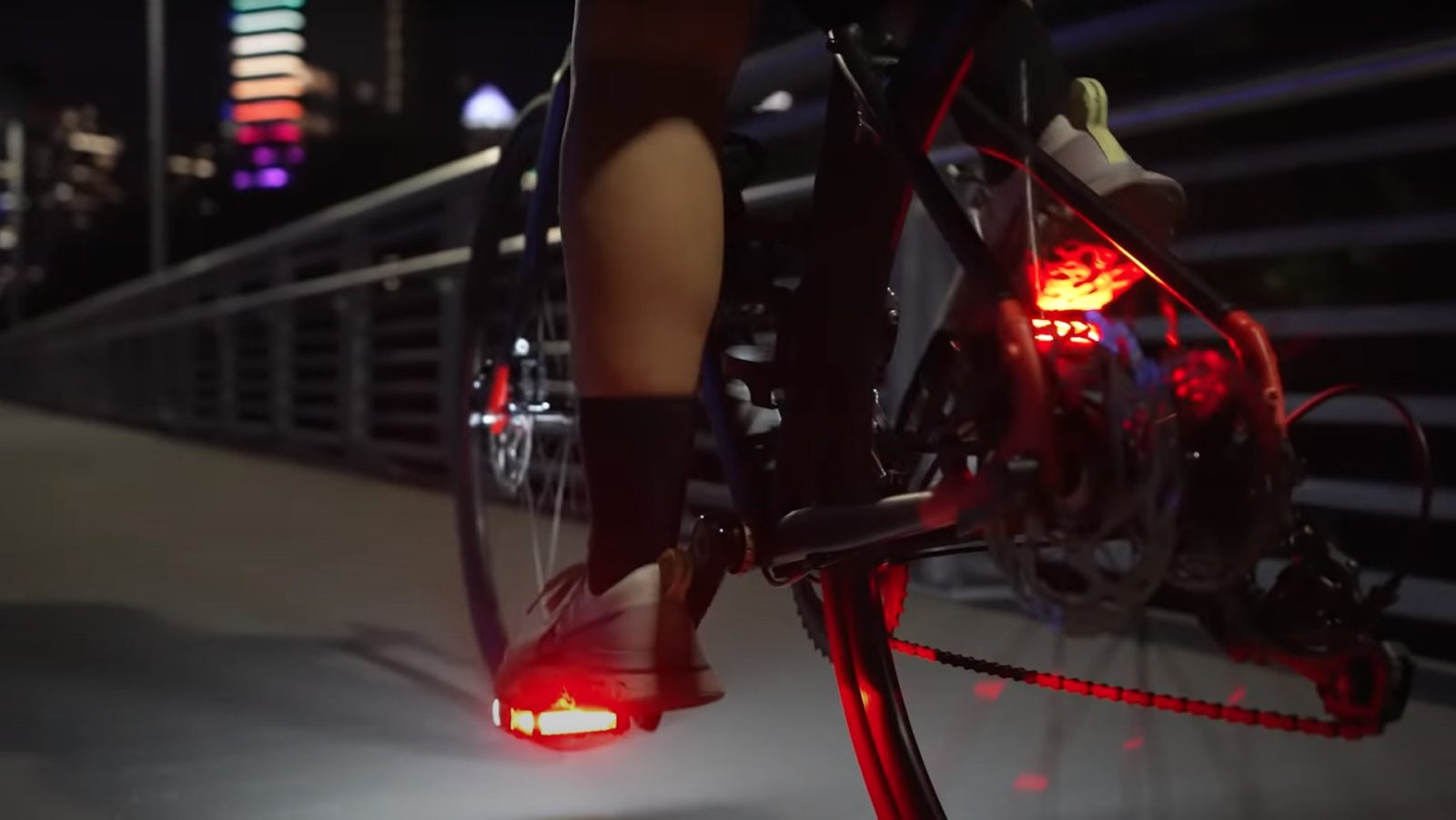 possibly-the-smartest-bike-light-pedals-ever-promise-to-boost-visibility-by-57-percent