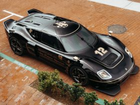radford-type-62-2-revives-iconic-black-and-gold-livery-of-the-jps-racing-cars