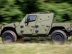 humvee-nxt-360-lands-in-europe-this-week,-includes-remote-weapons-and-gunshot-detection