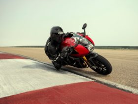 new-triumph-speed-triple-1200-rr-is-ready-to-give-ducati-and-bmw-a-run-for-their-money
