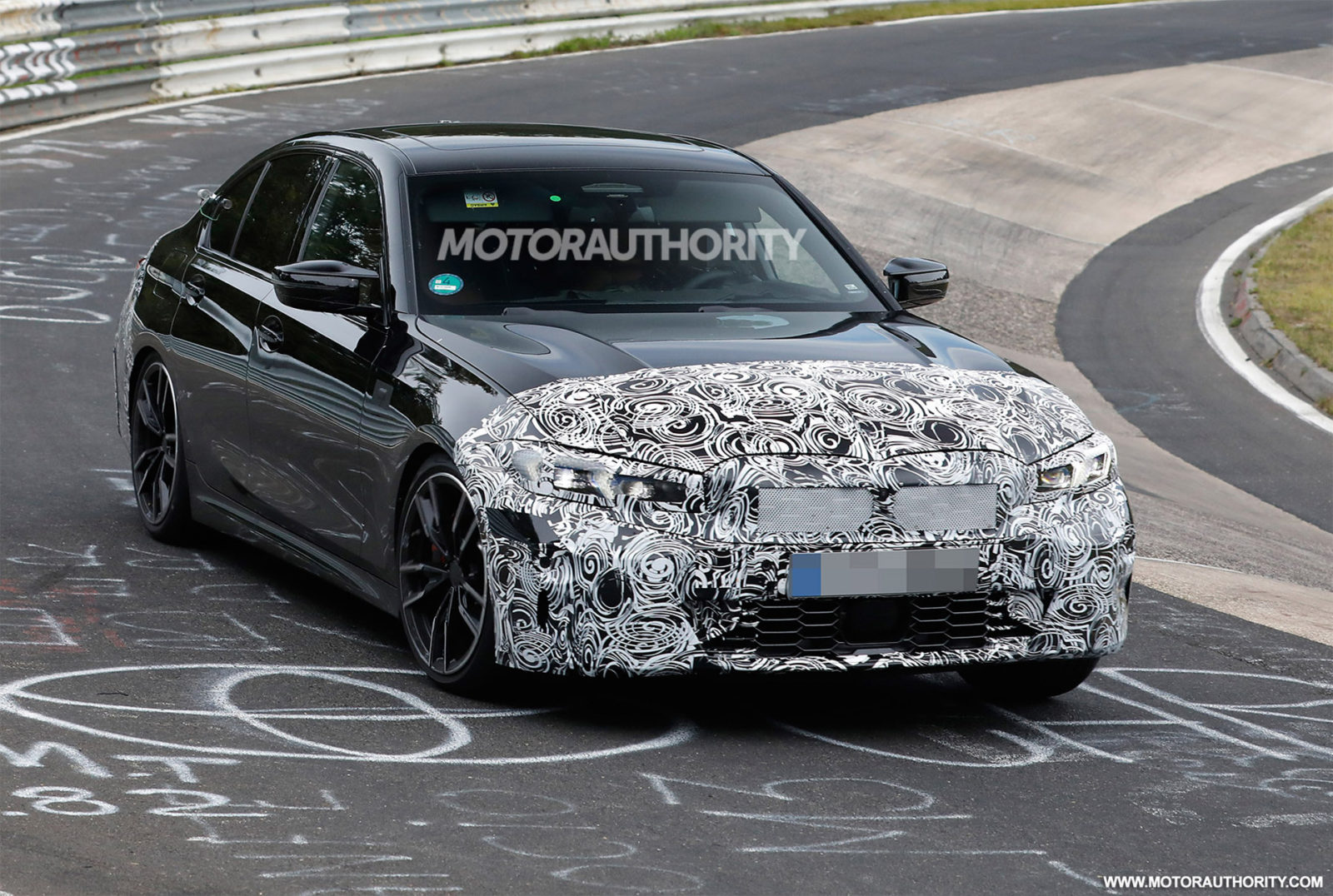 2023-bmw-3-series-spy-shots:-mid-cycle-update-on-the-way